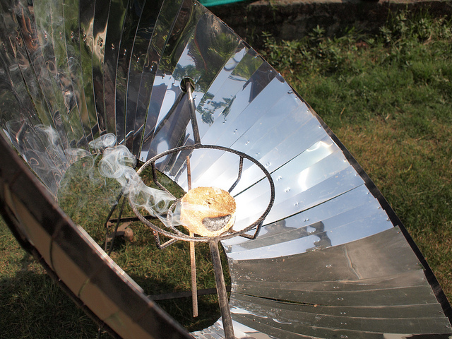 How To Build a Solar Power Cooker - Conserve Energy Future
