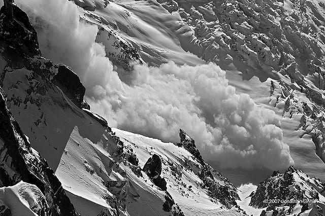 Avalanche_Snow