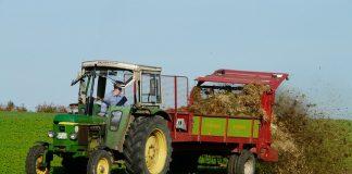 agriculture-tractor-fertilize-crap