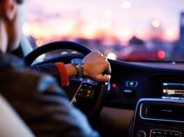 driver-car-sharing-traffic-man-hurry