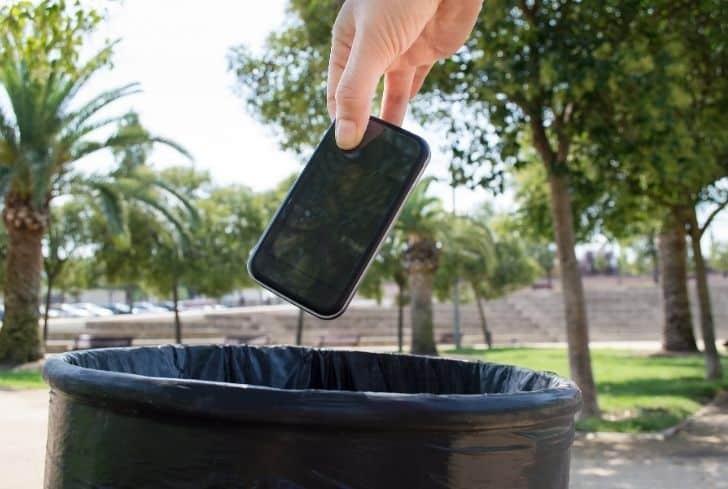 mobile-in-recycle-bin