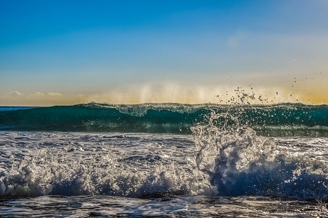 wave-foam-spray-sea-water-nature