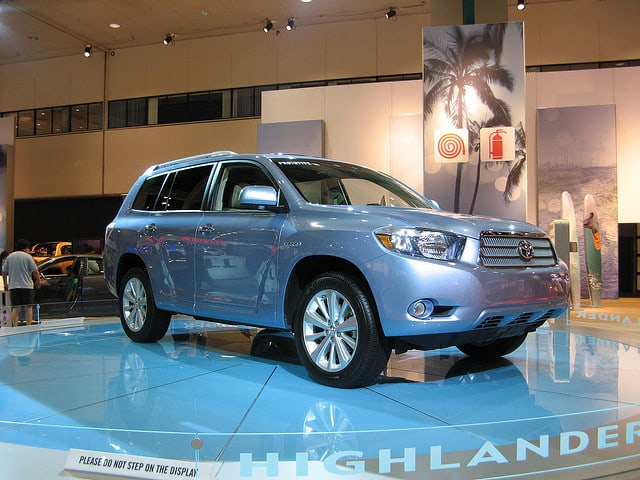 Highlander_hybrid_car