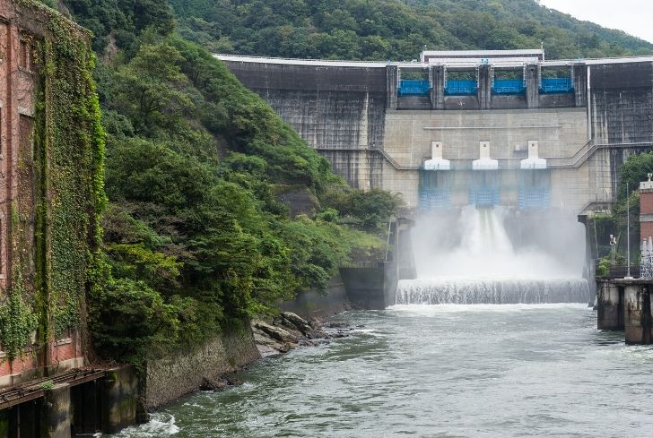 hydroelectric-energy-power-plant