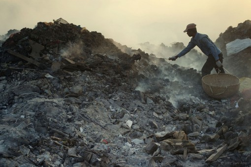 the negative effects of air pollution on humans and environment 7 serious effects of land pollution the pollution of land has calamitous consequences  and metals that have adverse effects on humans plastic  air pollution.