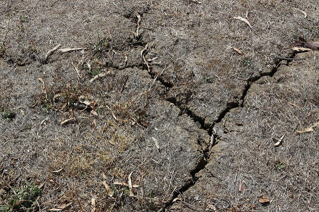 soil-erosion-dry-drought