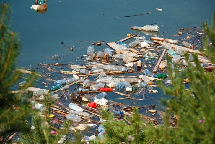 water-pollution-plastic-bottles-trash