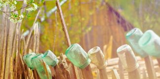 fence-glass-bottles-recycling-arts