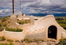 earthship-visitor-center-near-Taos
