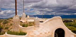earthship-visitor-center-near-Taos