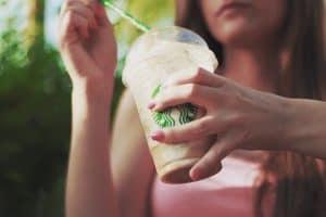 starbucks-plastic-straw