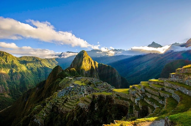machu-picchu-ruins-mountains-peru