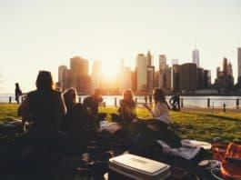 friends-picnic- sharing ideas