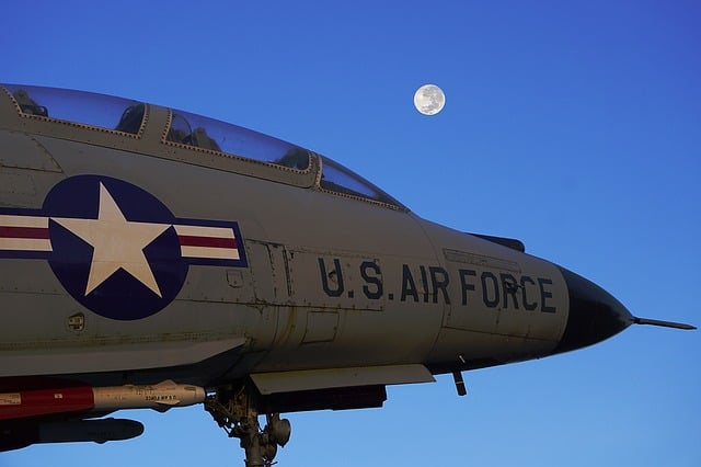 us-air-force-fighter-jet-moon