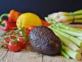 vegetables-asparagus-tomatoes-leek
