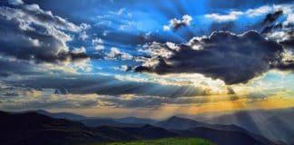 nature-landscape-mountains-clouds