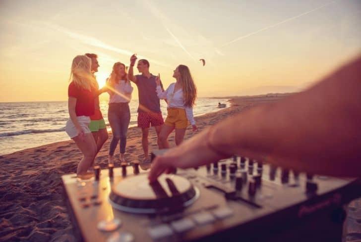 tourists-enjoying-party-noise-pollution