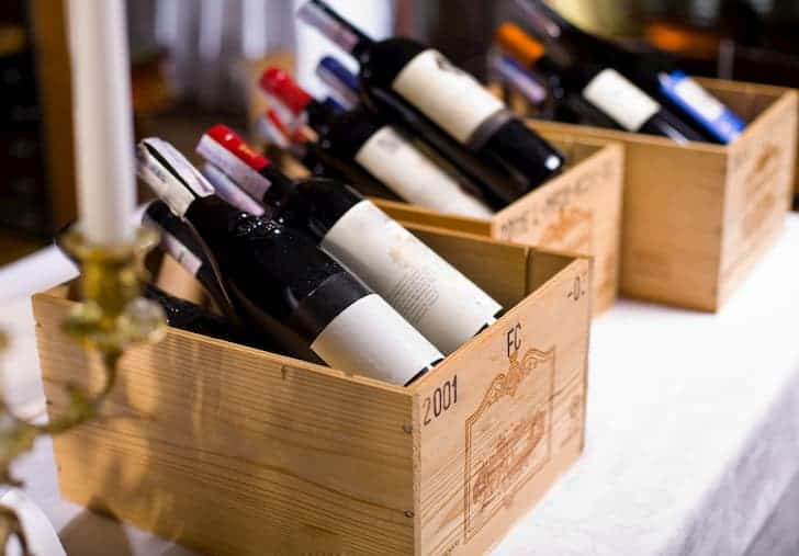 photo-wine-bottles-in-wooden-boxes