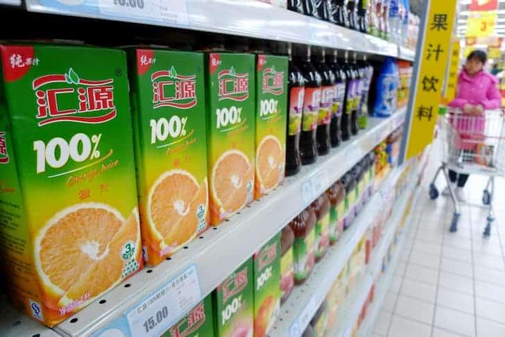 customer-selects-juice-cartons