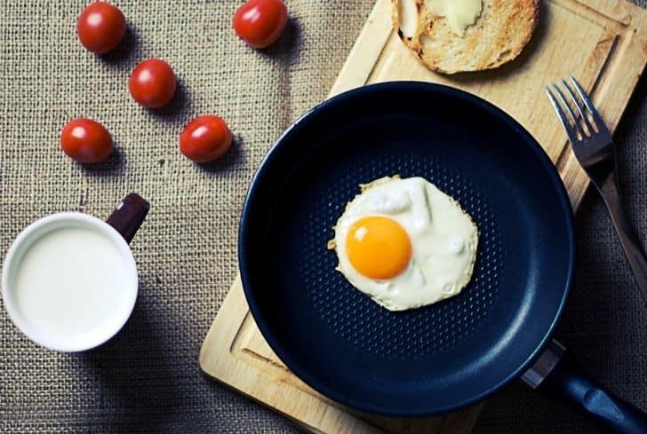 omlette-in-pan