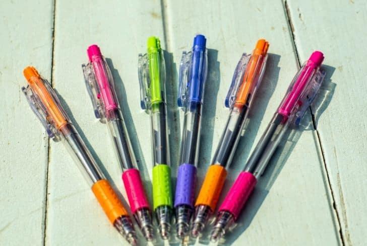 bunch-of-pens