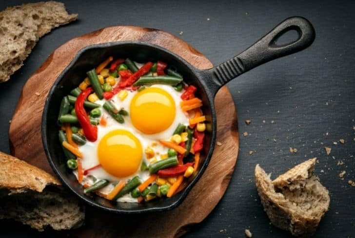 fried-eggs-in-cast-iron-pan