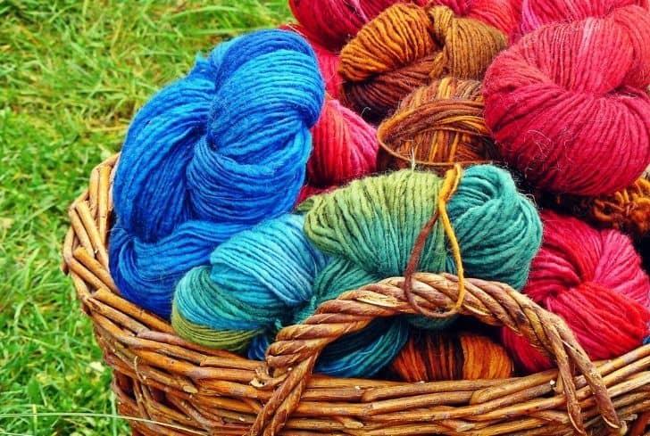 knitting-wool-in-basket