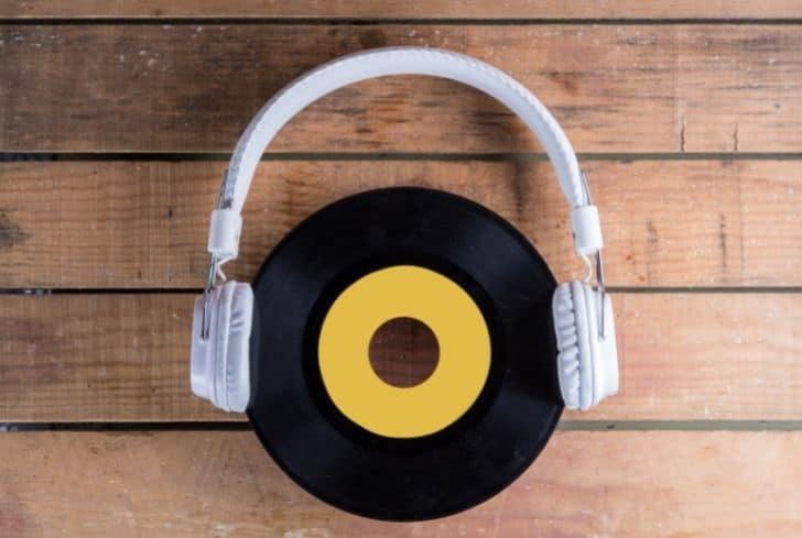 vinyl-record-and-headphone