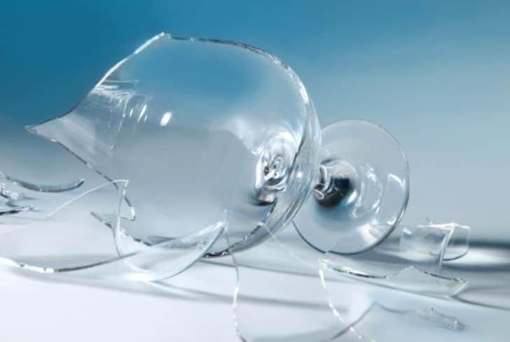 broken-wine-glass