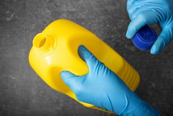 yellow-bleach-bottle
