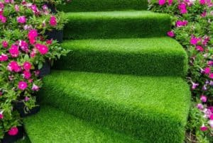 artificial-grass-on-stairs
